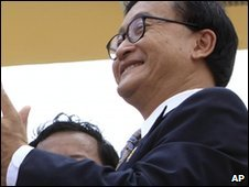 Cambodian opposition leader Sam Rainsy in Phnom Penh (1 May 2009)