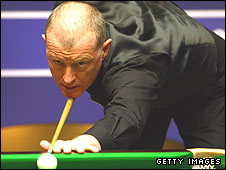 Steve Davis in action at the 2009 World Championship