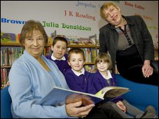 Councillors Caroline Page and Rosie Clarke in Woodbridge Library