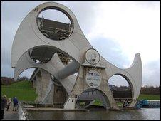 The Falkirk Wheel (Julie Broadfoot)