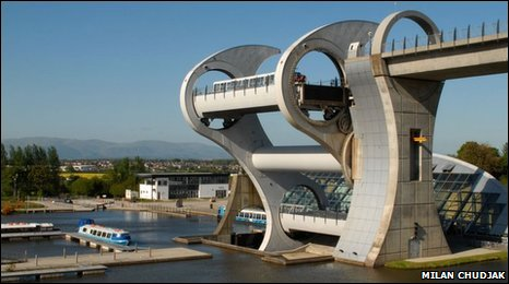 The Falkirk Wheel, photo courtesy of Milan Chudjak