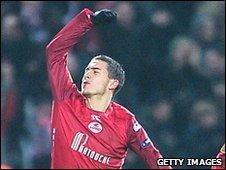 Eden Hazard of Lille celebrates