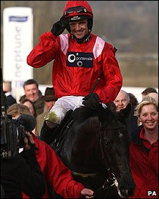 Ruby Walsh on Sanctuaire