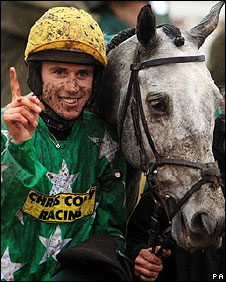Paddy Brennan and Pigeon Island completed a treble for the Twiston-Davies team