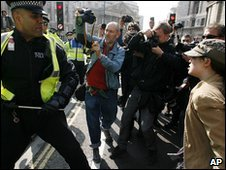 Sgt Delroy Smellie confronts Nicola Fisher at the G20 protests