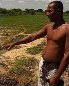 Emanoel da Souza with his rice crop