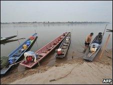 Boats on the Mekong near Vientiane on 27 March 2010