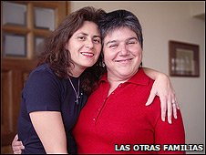 Karen Atala (left) and her partner Emma de Ramon: Photo courtesy Las Otras Familias