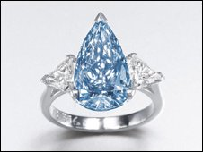 Blue diamond offered for sale
