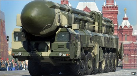 Russian Topol-M intercontinental ballistic in Moscow's Red Square - 9 May 2009
