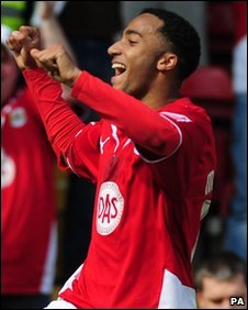 Nicky Maynard's late goal gave Bristol City all three points