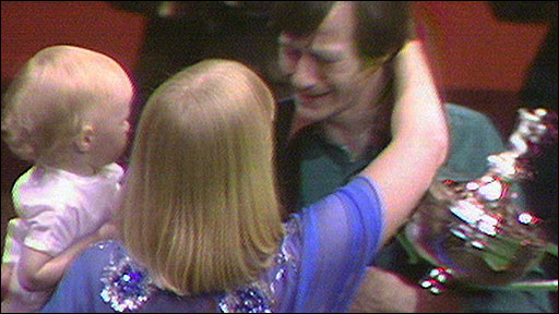 Alex Higgins wins the 1982 Snooker World Championship