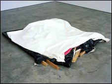 Clutter VI (with white blanket), 2004, by Angela de la Cruz