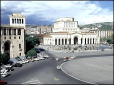 Republic Square in Yerevan, with Council of Ministers building (r)