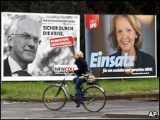 Election posters of (left) NRW state governor Juergen Ruettgers, of the CDU, and (right) SPD candidate Hannelore Kraft in Dusseldorf, Germany