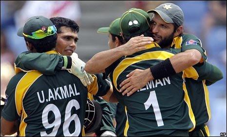 Pakistan celebrate