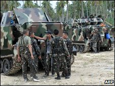 Soldiers in Maguindanao province, Philippines (10 May 2010)