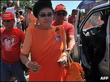Imelda Marcos campaigning in Ilocos norte province, Philippines (23 March 2010)