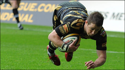 Shane Williams crosses for a controversial early try