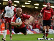 Peter Stringer seals victory for Munster in the 2006 Heineken Cup final in Cardiff