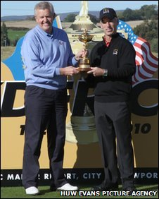 European skipper Colin Montgomerie and United States captain Corey Pavin