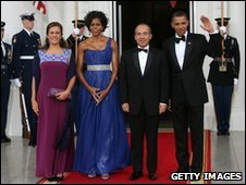 Presidents Obama and Calderon with their wives