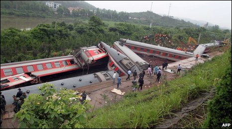 The mangled wreckage of the train in Jiangxi province, 23 May