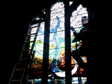 Silkstone stained glass window being made at the church