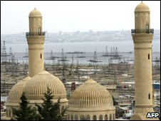 Bibi Heybat Mosque next to oil derricks on the shore of the Caspian Sea just outside the Azeri capital, Baku (file picture 2005)
