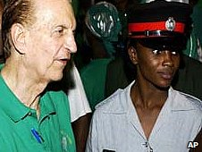Jamaica&#039;s former PM Edward Seaga (left) with supporters, file pic
