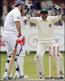 Mushfiqur Rahim celebrates Andrew Strauss's dismissal