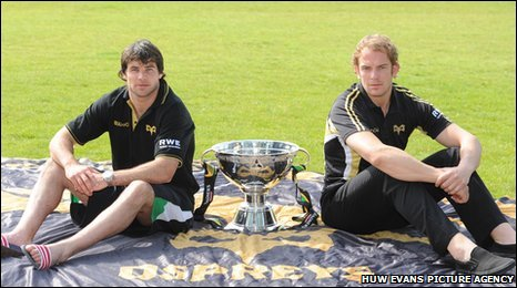 Mike Phillips and Alun Wyn Jones