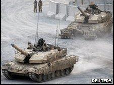 Canadian Leopard 2 tanks south-west of Kandahar City, 15 May 2010.