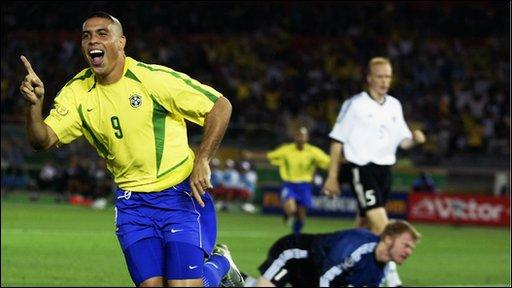 Ronaldo scores for Brazil