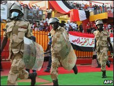 Sudanese policemen mobilise ahead of the 2010 World Cup qualification play-off between Egypt and Algeria in Khartoum, Sudan, 18 November, 2009