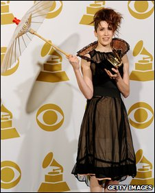 Imogen Heap with her Grammy Award