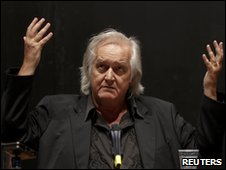 Swedish author Henning Mankell at a news conference in Berlin, 3 June