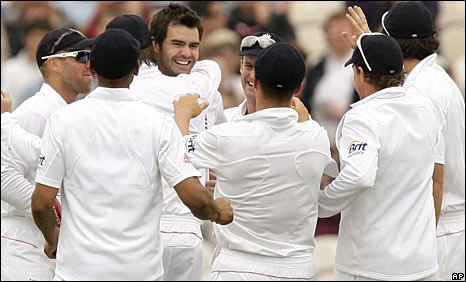 England celebrate another James Anderson wicket