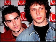 Stuart Cable (right), with Kelly Jones