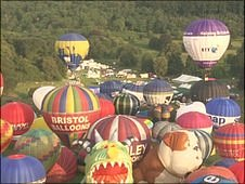 Mass balloon ascent