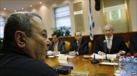 Israeli cabinet meets in Jerusalem to agree an inquiry into Gaza-bound flotilla raid on 14 June 2010