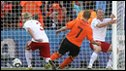 Dirk Kuyt scores for the Netherlands