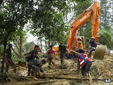 Bangladeshi army personnel clear the area in Cox&#039;s Bazar, on June 15, 2010