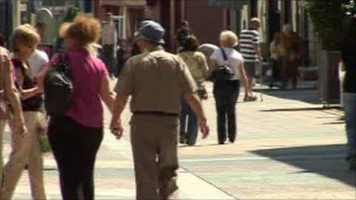 People walking along Merthyr Tydfil highstreet