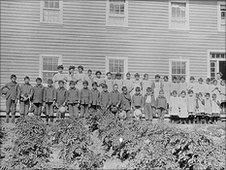 Lake La Ronge school in La Ronge, Saskatchewan, 1929. Library and Archives Canada/PA-045174