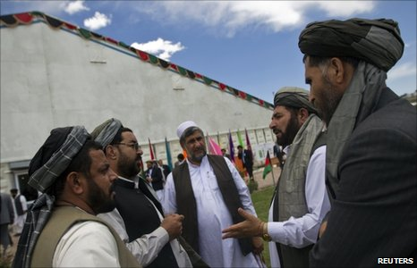 "Delegates at the Afghan ""peace jirga"" (4 June 2010)"