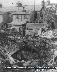 Bomb damage, Vicarage Terrace, Cambridge 1940