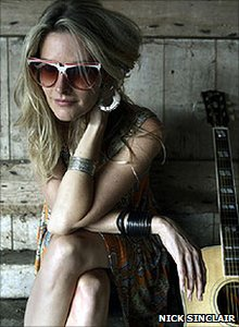 Elizabeth Cook by Nick Sinclair