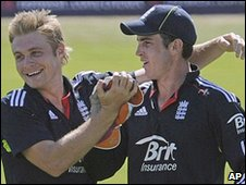 Luke Wright and Craig Kieswetter combine to remove Shane Watson