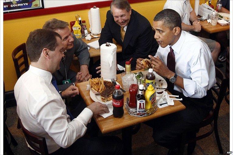 President Obama and President Medvedev at Ray's Hell-Burger restaurant